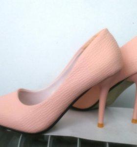 Туфли 37 размера, новые
