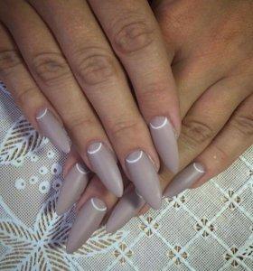 Качественное наращивание ногтей и покрытие гелем.