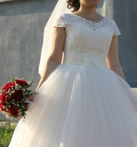 Продается свадебное платье.Срочно