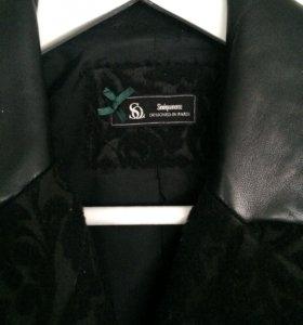 Пальто шерстяное Sinequanone с кожаным вопотником