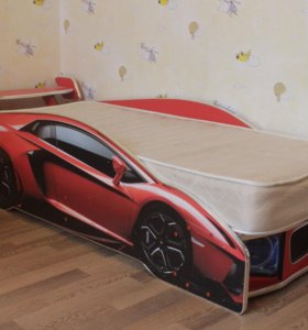 Кровать-гоночная машина с подсветкой на пульте