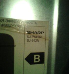 Холодильник SHARP SJ-P642N