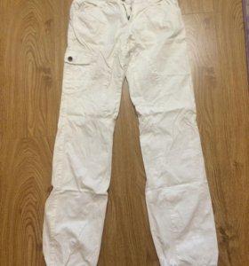 Белые брюки  44