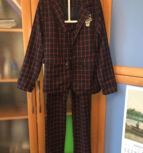 Костюм для мальчика- пиджак и брюки