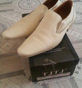 Мужские туфли. Новые.
