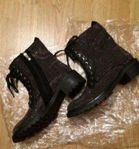 Женские новые ботинки