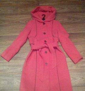 Пальто, кашемир, коралловый цвет..Размер 44..