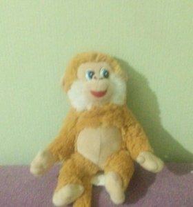 Плюшевая обезьянка