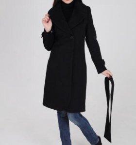 Пальто кашемировое. Размер S - M, 42 - 44р.Чёрное.