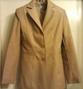 Куртка-пиджак из искуственной кожи. Турция.