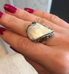 кольцо серебряное с натуральным перламутром