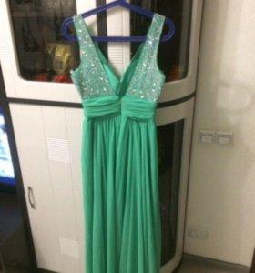 Выпусконое платье в пол