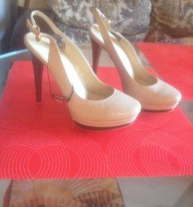 Туфли женские новые кожа 39 р