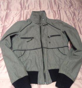 Куртка Zara 42-44