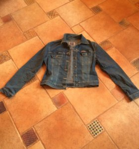 Джинсовая куртка