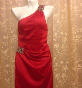 Красное платье xs-s
