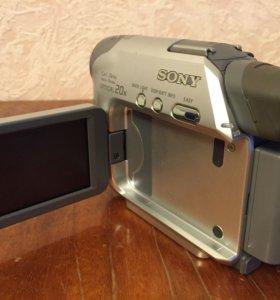 Sony DCR-HC17E - цифровая видеокамера