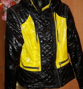 Женская куртка 42-44 размер