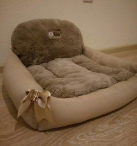 Лежак для кошки или маленькой собаки