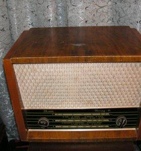 Радиола ламповая Рекорд -61.
