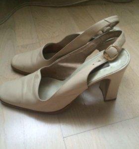 Туфли женские  кожа Италия 38