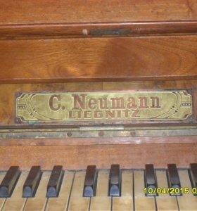 Немецкое пианино, старинное, требует реставрации.