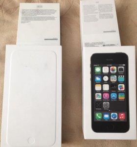 Коробки от iPhone 6 Plus и 5s.