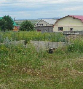 Земельный участок с фундаментом под подвал