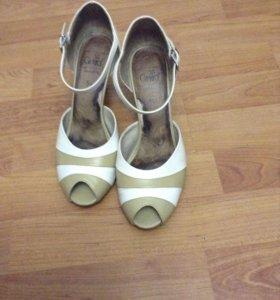 Туфли 37,5 кожа