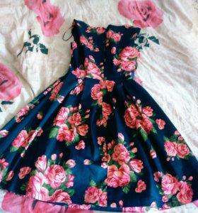Платье синие в цветочек(Concept club)