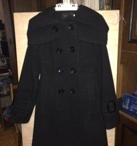 Стильное женственное пальто