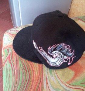 Женская кепка Cocaroach