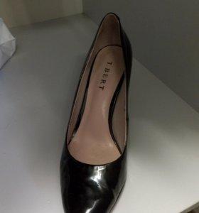Туфли черные лаковые кожа