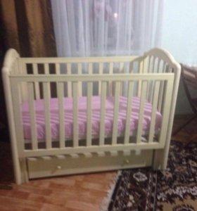 Продаётся детская кроватка бу