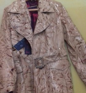 Куртка кож лаковая.