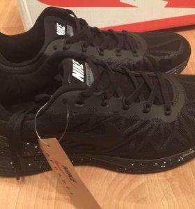 Новые кроссовки Nike Lunarlon
