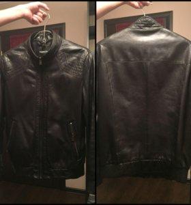 Мужская кожаная куртка б/у