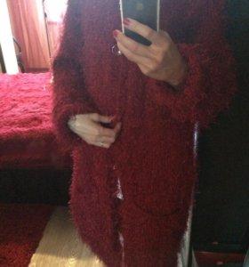Пальто ручной вязки
