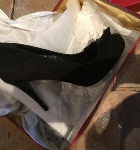 Туфли замшевые новые!!!!