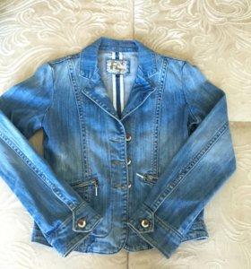 Пиджак джинсовый S или 42 -44 р-р