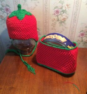 Комплект шапочка и манишка для девочки 3-4 года