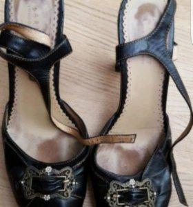 Черные кожаные туфли Carnaby London