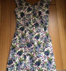 Платье состояние нового