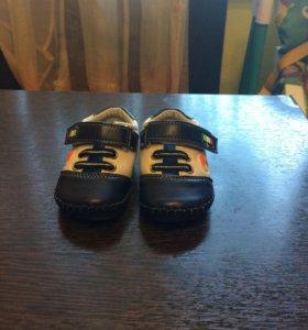 Ботиночки (пинетки)
