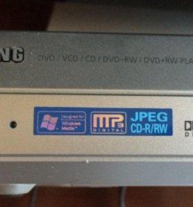 Samsung dvd-e136B DVD плеер
