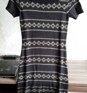 Платье теплое 42р.