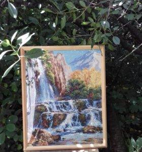 Картина, вышитая крестиком.