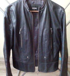 Куртка кожаная женская 42размер