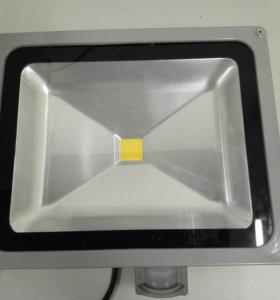 Прожектор светодиодный 30-50Вт с ИК датчиком Feron