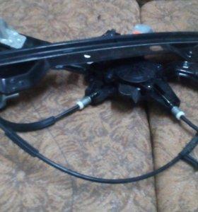 Стеклоподъёмник передний правый Ford Focus 3